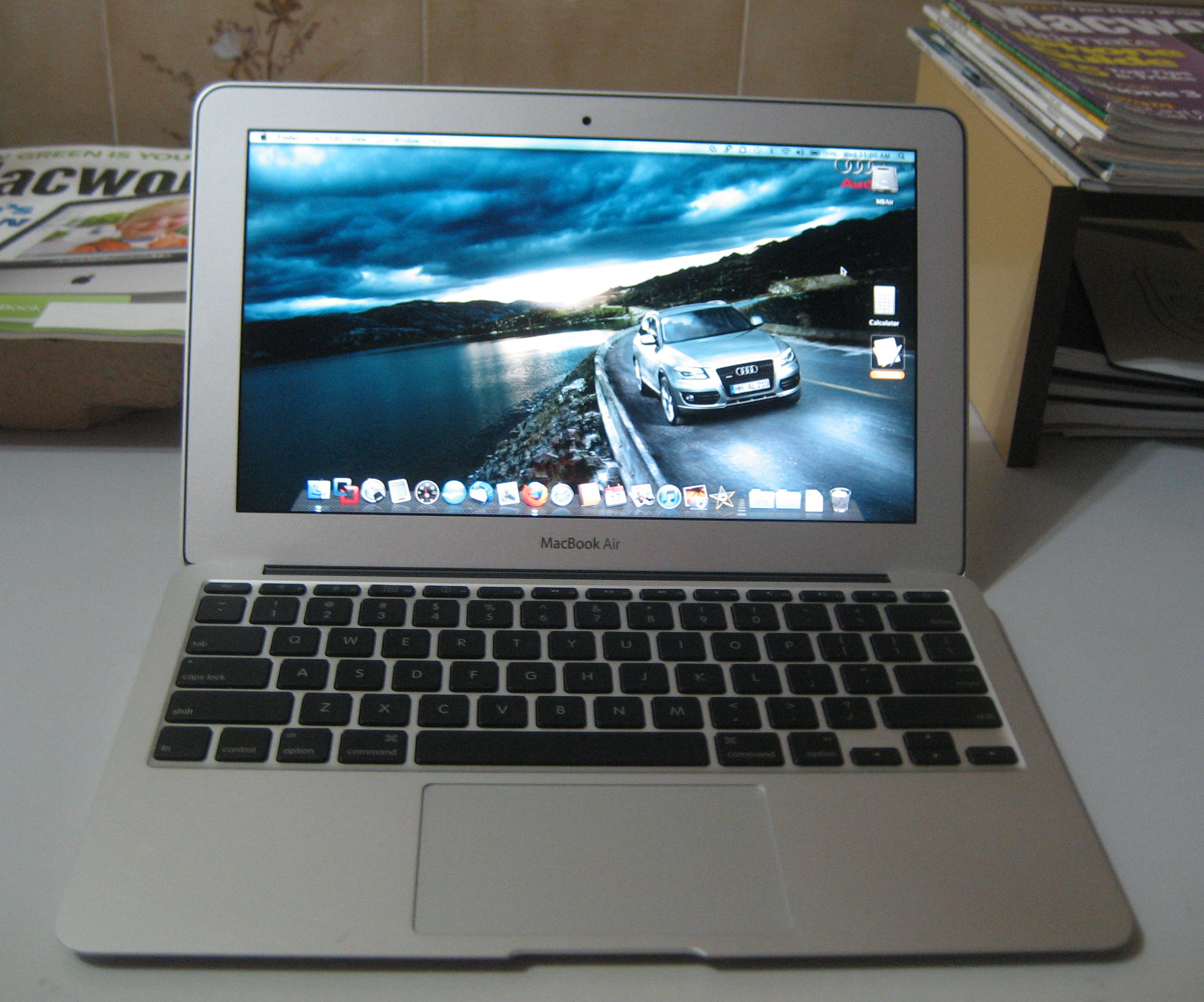 macbook air 11 6 2010 model my impressions and. Black Bedroom Furniture Sets. Home Design Ideas
